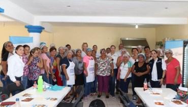 Capacita Sebien a voluntariado que opera en comedores comunitarios