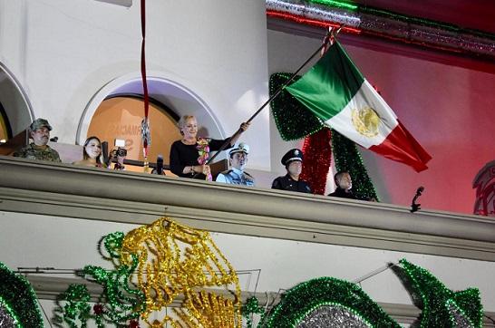 Enaltece Alma Laura Amparán a los héroes que nos dieron patria y libertad