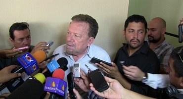 'Golondrino' del PRD en contra de eliminar diputados y senadores