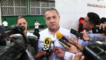 Fomenta Adrián Oseguera la creación de una ciudad más limpia