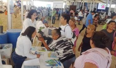 Seis escuelas de San Fernando reciben de gobierno del estado material didáctico y árboles.