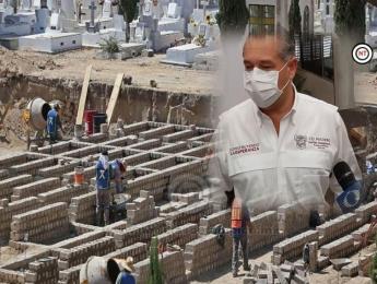 Listas fosas para fallecidos por COVID en Madero.