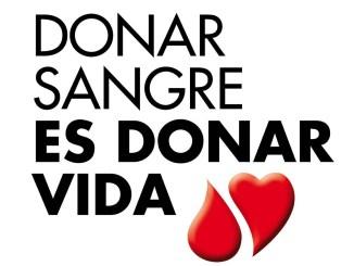 Fernández Vara valora la contribución que los donantes de sangre realizan al sistema sanitario