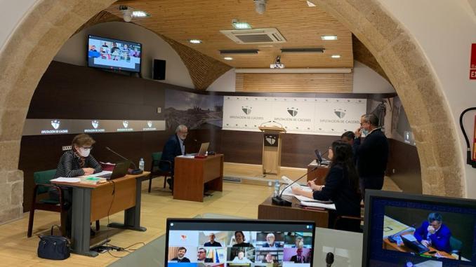 Unas 400 reuniones a través de videoconferencia han sido organizadas por la Diputación durante el estado de alarma