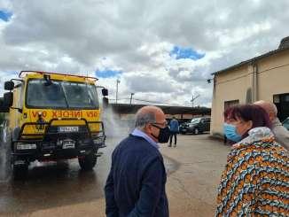 Begona-Garcia-visita-el-COR-del-Infoex-que-ha-recepcionado-nuevos-vehiculos-1