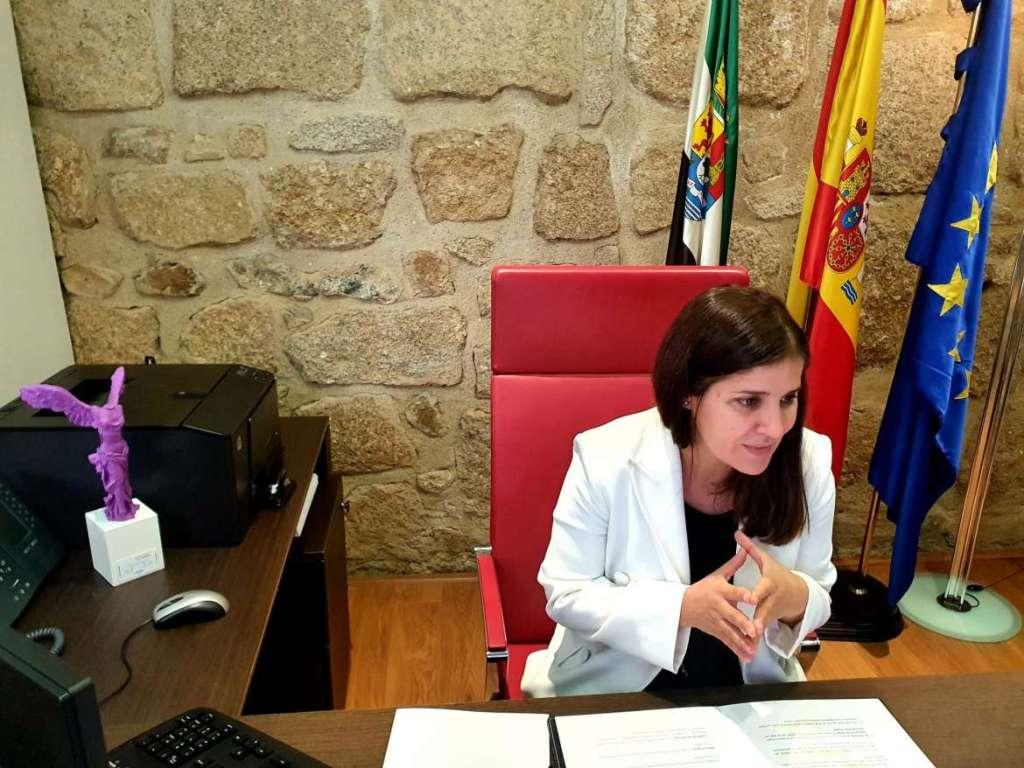 Isabel-Gil-Rosina-resalta-que-la-igualdad-es-una-politica-de-primera-plana-inamovible-como-objetivo-capital-2