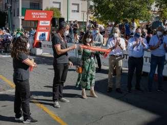 El-presidente-de-la-Junta-de-Extremadura-asiste-a-la-salida-de-la-Vuelta-Ciclista-a-Espana-en-Navalmoral-de-la-Mata