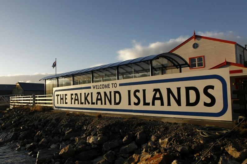 """Medios de prensa chilenos insisten con llamar """"Falklands"""" a las islas Malvinas"""