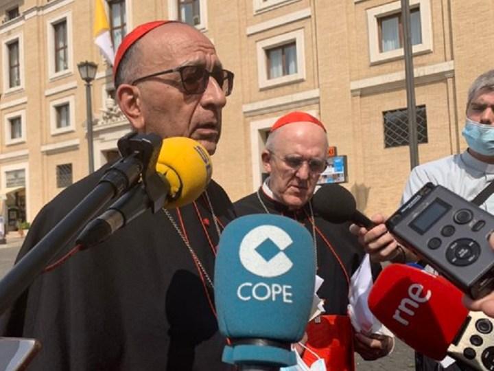 Francisco anima a la Iglesia española a seguir acompañando a enfermos, trabajadores e inmigrantes