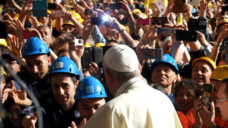 Líderes sindicales de España celebran las propuestas del papa Francisco