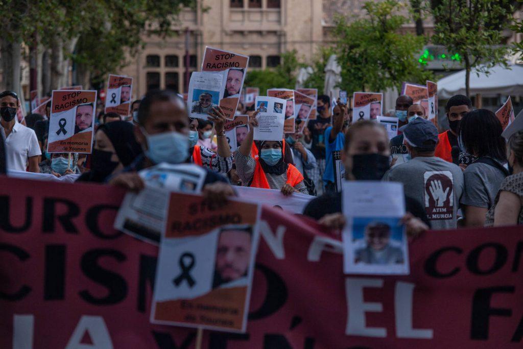 ¡Las vidas de las personas migrantes importan!STOP racismo en la Región de Murcia