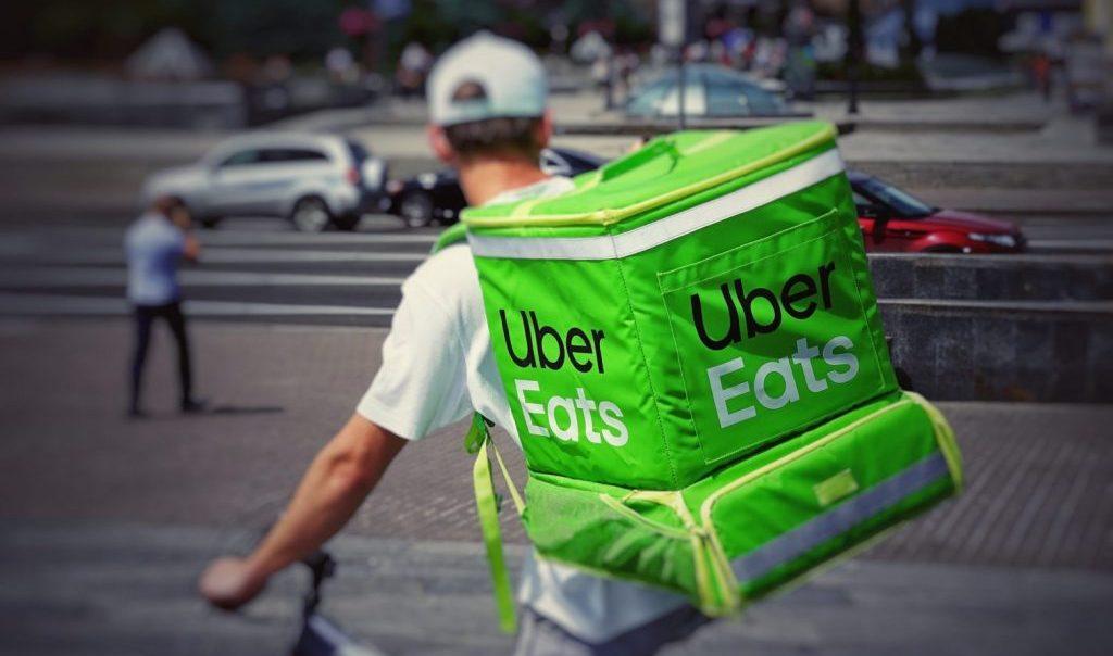 Uber Eats demandada por el despido de más de 3000 trabajadores y trabajadoras