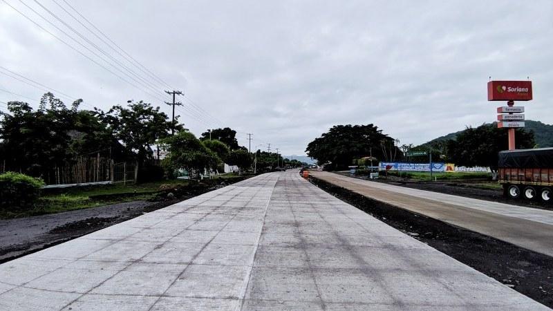 Avanza Construcción de boulevard de 4 carriles en Catemaco