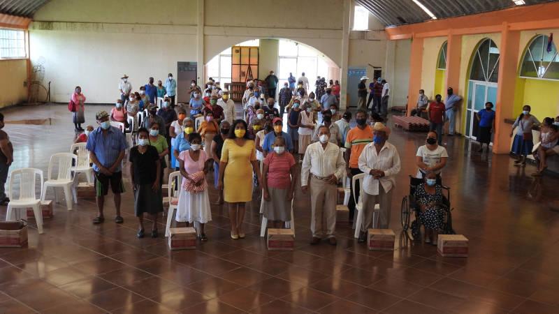 En Cabada, entregan paquetes del programa Asistencia Social Alimentaria a adultos mayores