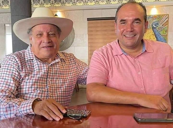 Juan «Yona» le apostara a la educación de los Hueyapenses