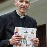 Padre Marcelo Rossi justifica magreza e afasta suspeita de câncer