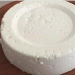 Se você tem um litro de leite, iogurte e metade de 1  limão, pode preparar o melhor queijo caseiro