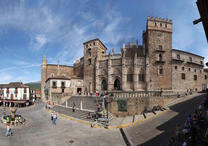 El Real Monasterio de Guadalupe celebra su 25 Aniversario como Patrimonio de la Humanidad