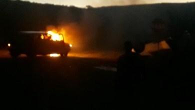 Photo of VÍDEO: Carro capota e outro pega fogo após acidente em Boa Nova; assista