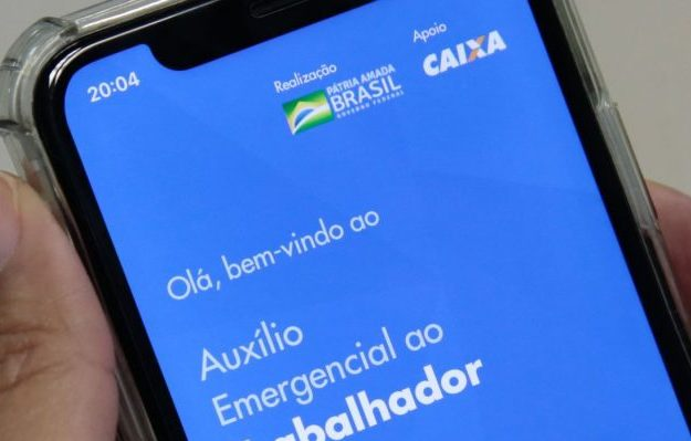 Photo of Paulo Guedes diz que governo renovará auxílio emergencial por dois ou três meses