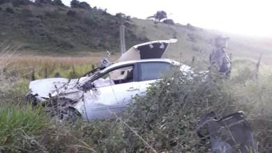 Photo of Polícia detalha acidente em Poções que deixou uma pessoa morta e quatro em estado grave; todas foram arremessadas do veículo