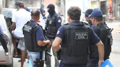 Photo of Governo quadruplica valor de prêmio pago a policias por apreensão de armas na Bahia