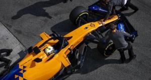 "Tres heridos leves en ""pequeño incendio"" en el 'box' de McLaren en Montmeló"