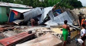 Isaías vuelve a ser huracán y enfila a las Carolinas en EEUU