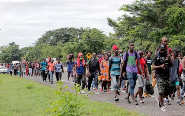 miles-de-haitianos-acampan-en-texas-tras-un-cruce-fronterizo-masivo