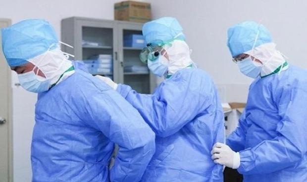 suspenden-en-francia-3-000-empleados-de-centros-sanitarios-por-no-vacunarse