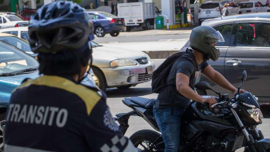 Esta es la multa por llevar niños menores de 12 años en moto en CDMX