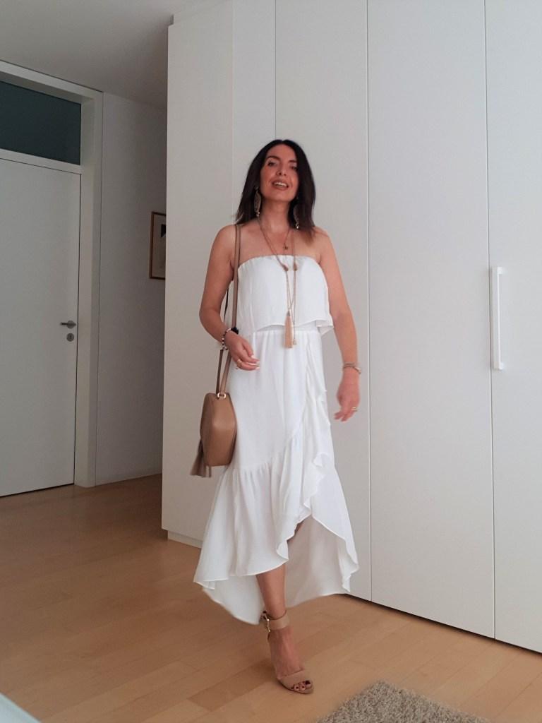 Maxi Dress Bianco, must-have per i migliori look estivi