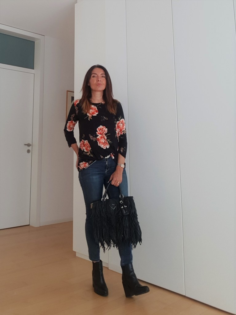 How to Dress for The Weekend: Floral Outfit