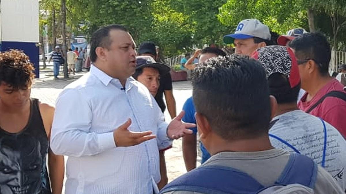 Eloy Peniche autorizado por el IEQROO retoma campaña por el Frente