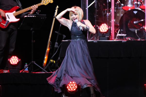 """Nostalgia y añoranza en el concierto """"Latidos de Mi Corazón"""" de Yolandita Monge"""