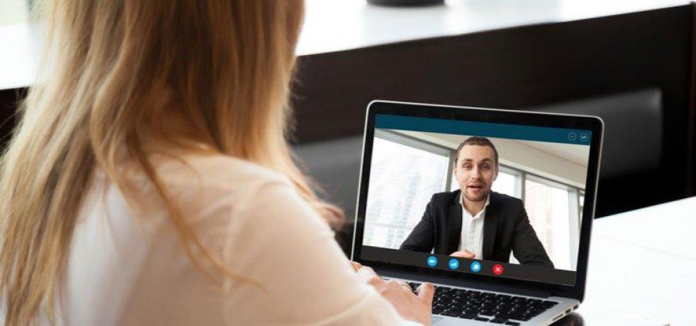Avantajele colaborarii cu un psiholog online