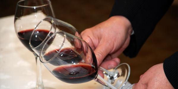 Instituto del Vino y del Pisco premia al mejor sommelier del 2013