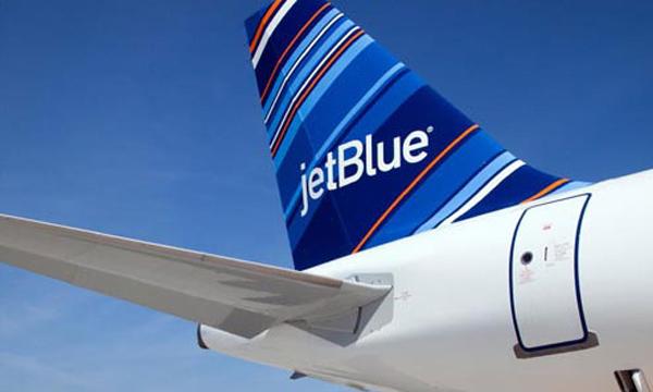 JetBlue te ofrece total seguridad al reclinar tu asiento en un avión comercial