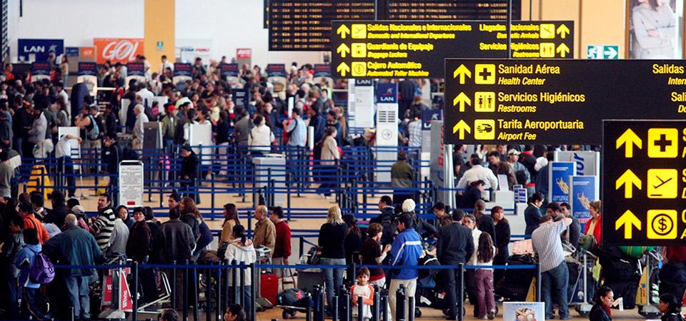 Turistas extranjeros que visitaron el Perú gastaron US$ 825 millones a marzo