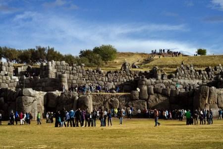 Sacsayhuaman, Cusco: Caminata por Suchuna y  las tres torres de la Casa del Sol