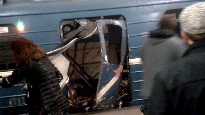 Rusia: Dos explosiones en el metro de San Petersburgo dejan, al menos, 10 muertos
