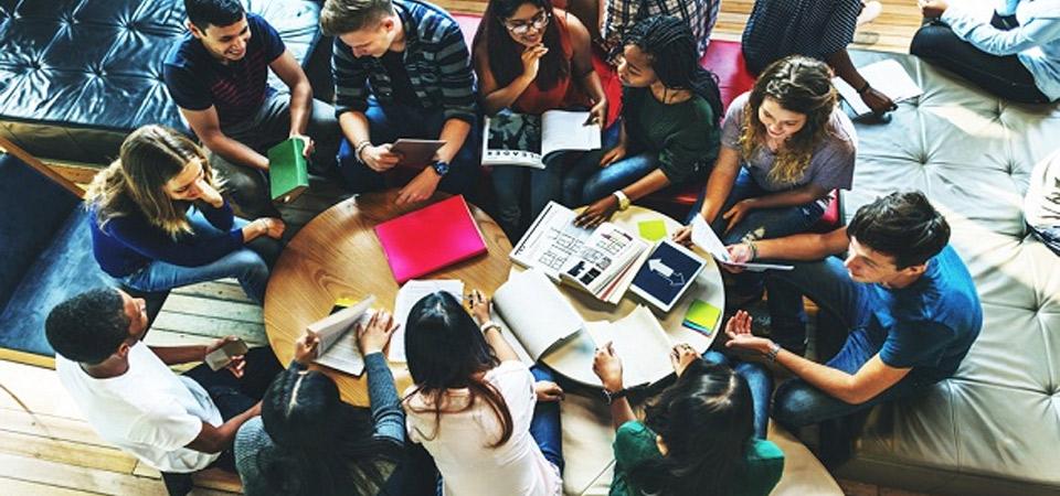 Estudiar en el extranjero: manual básico del estudiante peruano para triunfar