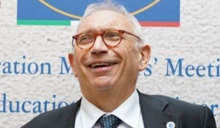 """Scuola, Ministro Bianchi: """"Senza Green pass professori e personale saranno  sospesi"""""""