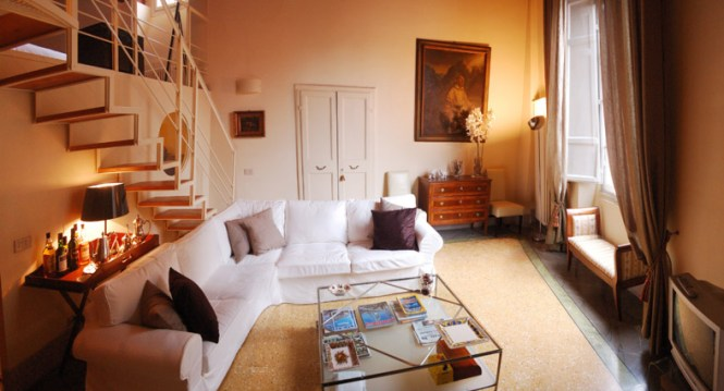 Lucca Apartment Fontana Holiday In City Centre With Air Conditioning