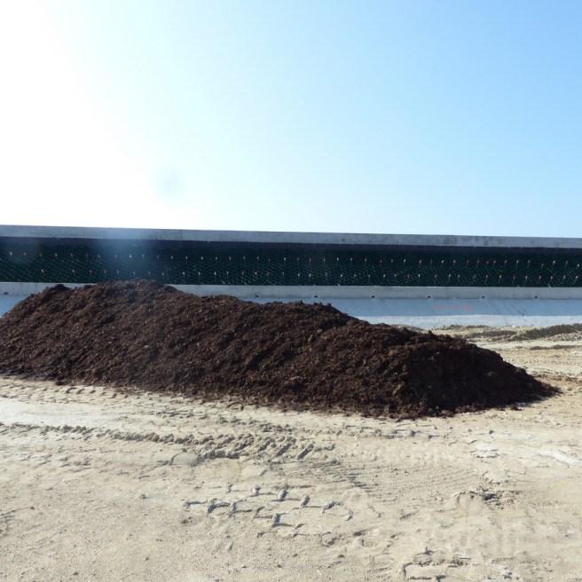 Digue du Boutillon - Fumier pour plantations - 20 septembre 2016