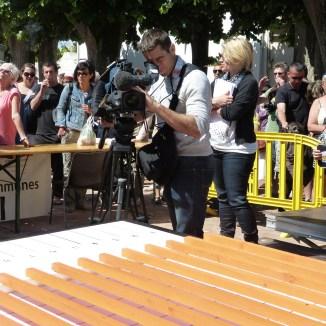 Les médias au coeur de l'événement de la course d'escargots