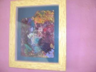 """Dans la chambre, la palette de peintures de """"Tonton Tatave"""""""