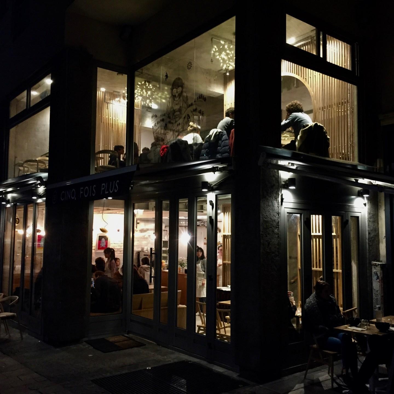 Hipper neuer Asiate nähe Centre Pompidou