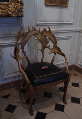 Musee de la chasse chaise