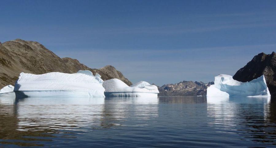 Groenland-angmagssalik-icebergs